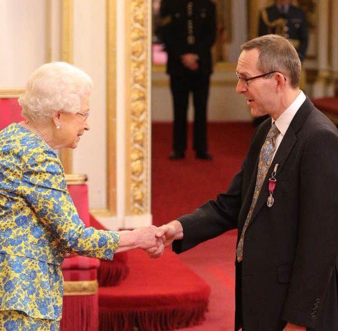 meting the queen 3
